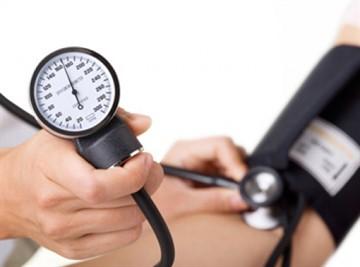 Аскорбиновая кислота поднимает давление или снижает